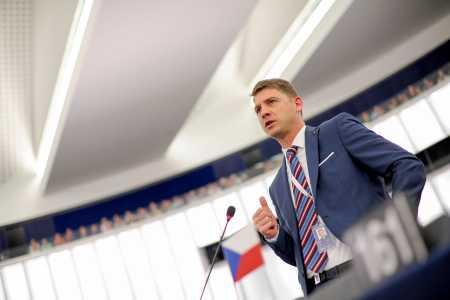 Petr Mach v Europarlamentu (3)