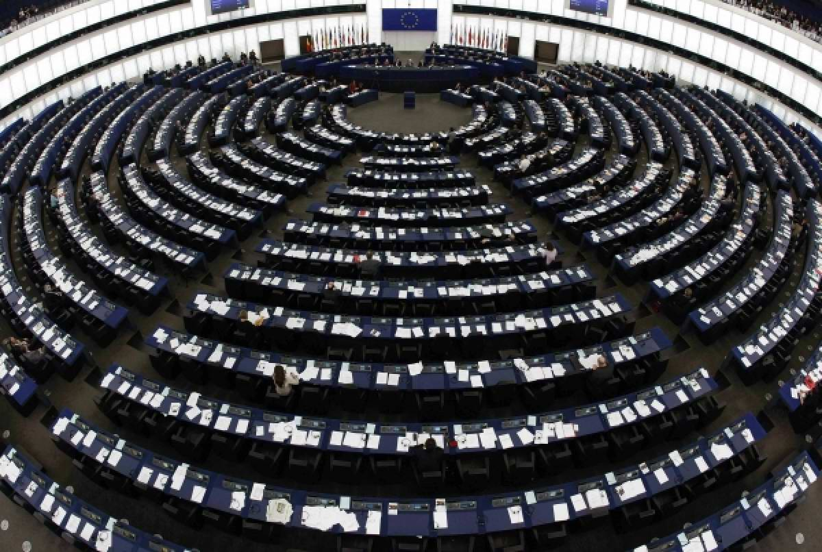Hlasování o zbavení imunity Marine Le Pen
