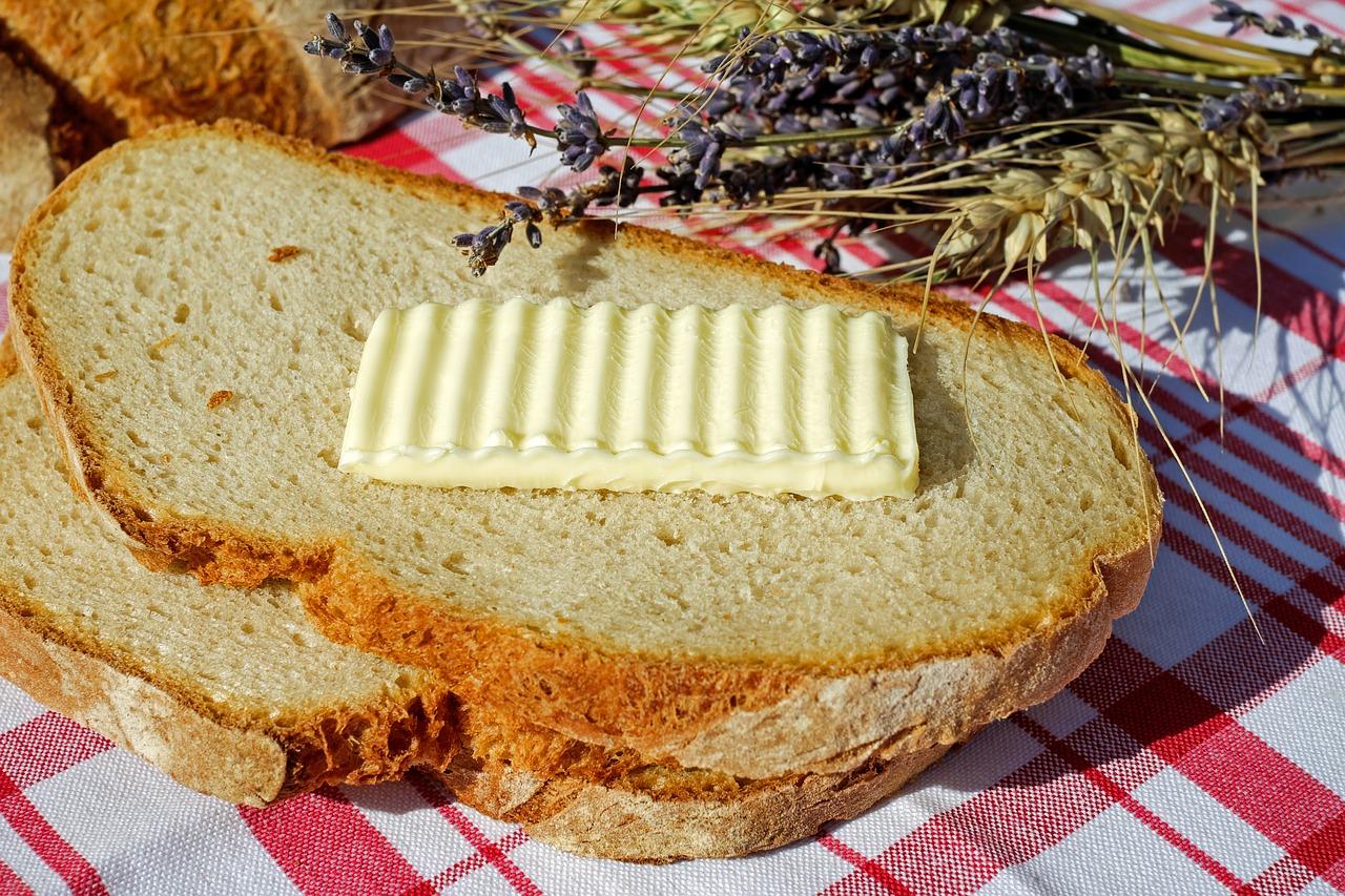 Proč stojí máslo 50 korun? Kvůli EU